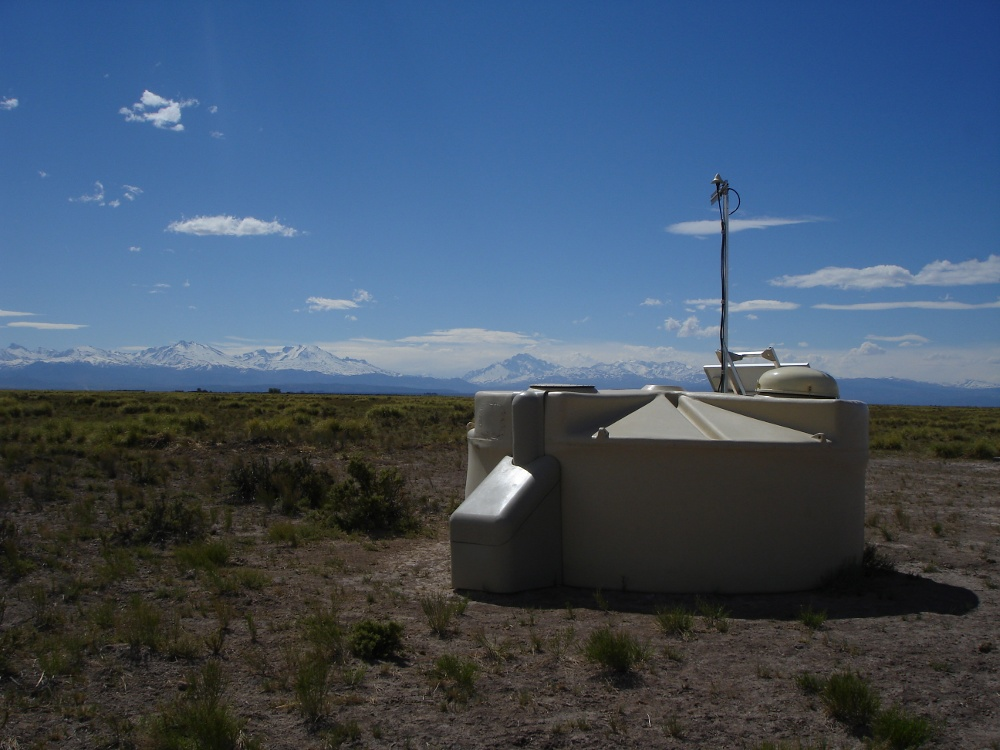 A surface detector of the Pierre Auger Observatory. (c) Yann Bortoli